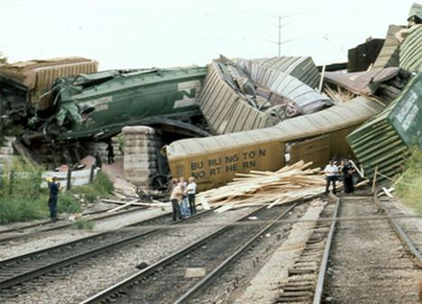 22569-86803-trainwreck450bjpg-468x